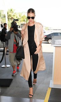 Rosie Huntington-Whiteley: espectacular black look