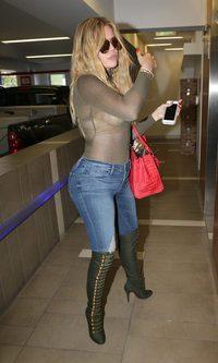 Khloe Kardashian y sus transparencias excesivas