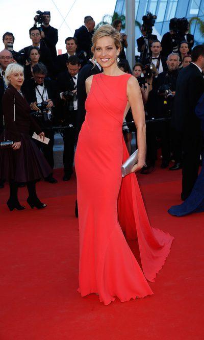 Petra Nemcova triunfa con el rojo en Cannes