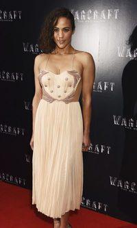 Paula Patton estrena 'Warcraft' en lencería