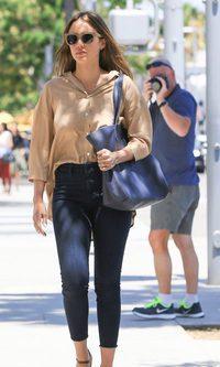 Jessica Alba: de recados en Casual Chic