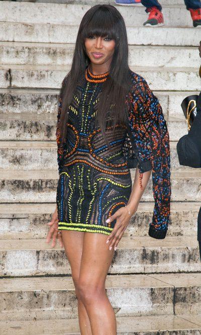 Naomi Campbell con pedrería boho