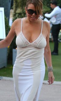 Mariah Carey pistoletazo y ...¡escotazo!