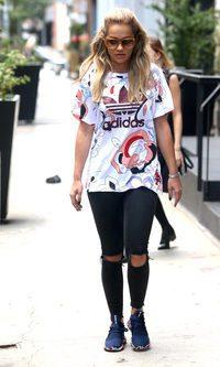 Rita Ora con un look sport