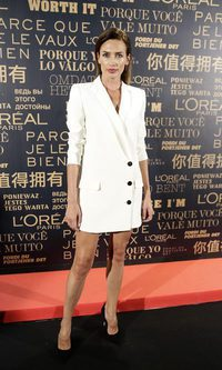 Nieves Álvarez, elegante vestido de chaqueta