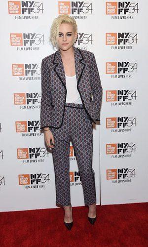 Kristen Stewart sigue apostando por los trajes