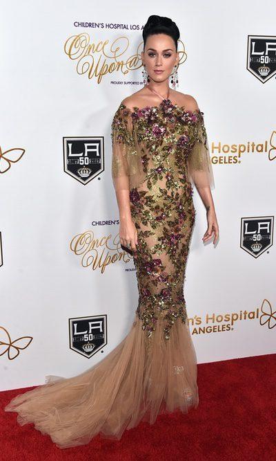 Katy Perry, look de brillos y flores