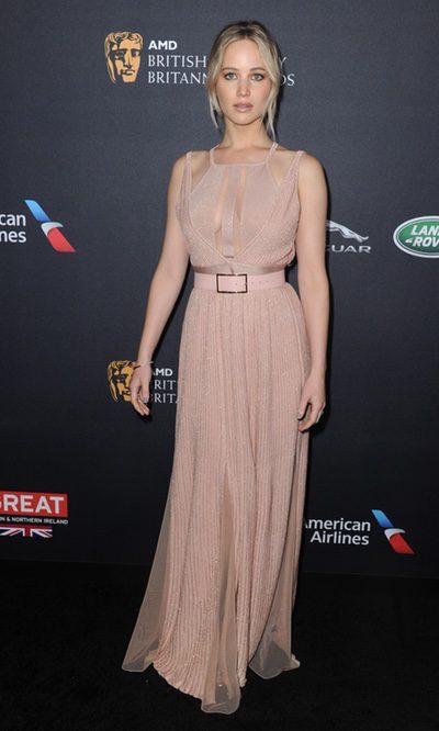 Jennifer Lawrence con un estilo romántico