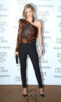 Rosie Huntington-Whiteley apuesta por el animal print