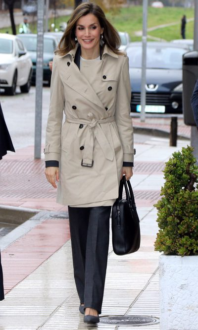 La Reina Letizia y su look 'working girl'