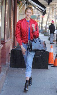 Karlie Kloss, look urbano