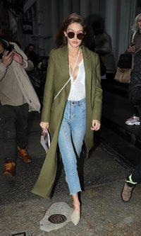Gigi Hadid, street style informal