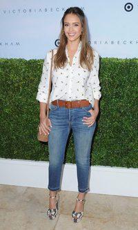 Jessica Alba y su look informal