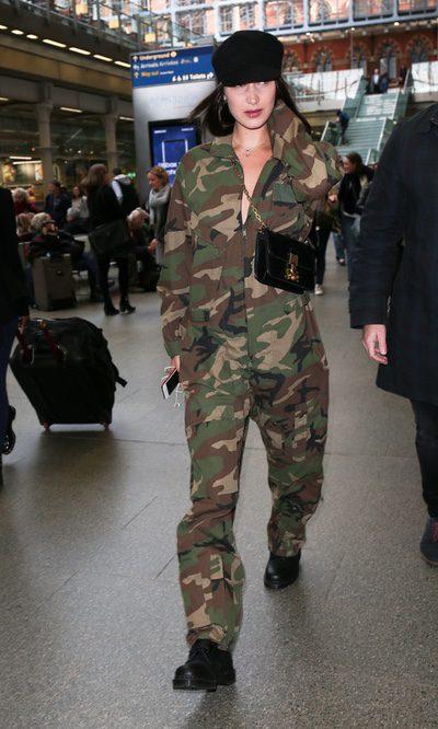 Bella Hadid se viste de militar