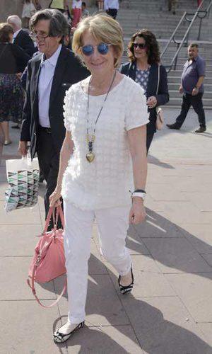 El look blanco de Esperanza Aguirre