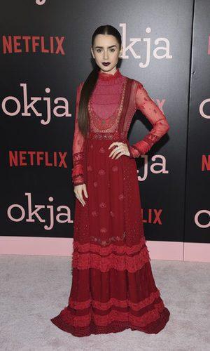 Lily Collins deslumbra con un vestido de Valentino