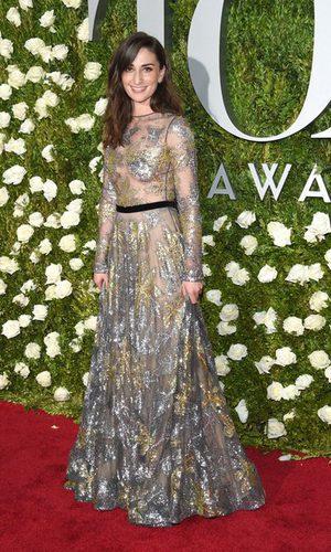 Sara Bareilles brilla con un vestido de Naeem Khan