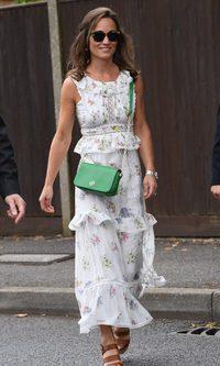 Pippa Middleton apuesta por el estampado floral