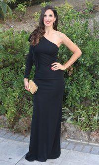 Nuria Fergó con un look muy clásico