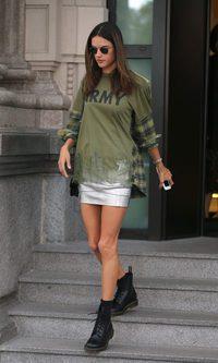 Alessandra Ambrosio con su puro street style