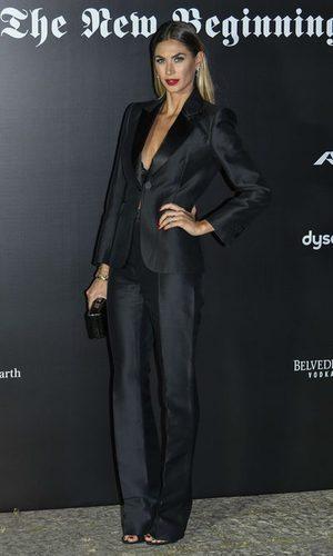 Melissa Satta luce un traje total black
