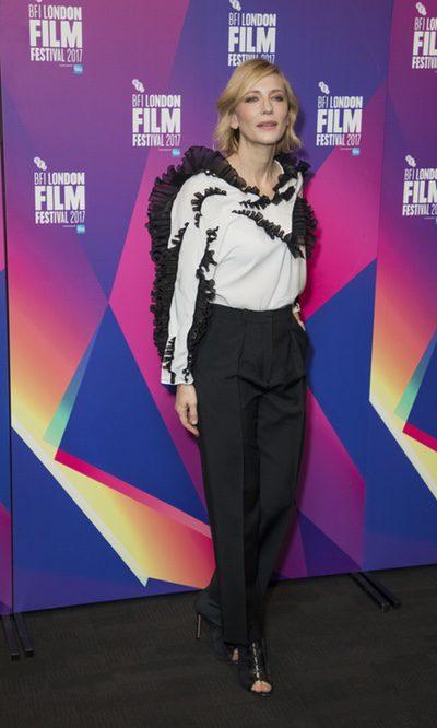 Cate Blanchett con una blusa muy original