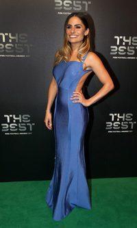La explosiva Layla Anna-Lee con un vestido muy acertado
