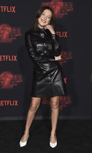 Millie Bobby Brown más sexy que nunca con un vestido de cuero