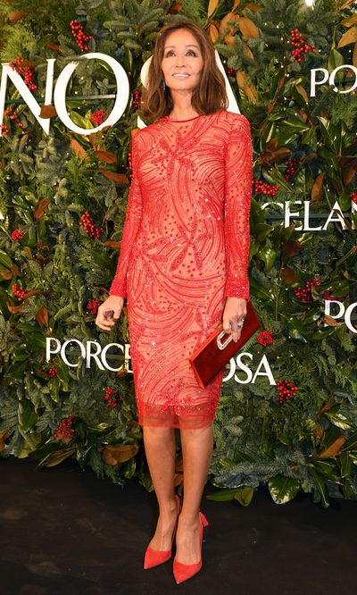 Isabel Preysler con un vestido rojo pasión