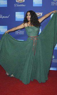 El vuelo de Salma Hayek sobre la red carpet