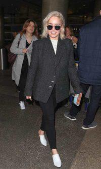 Emilia Clarke te enseña a viajar con estilo