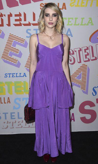 El extravagante vestido de Emma Roberts
