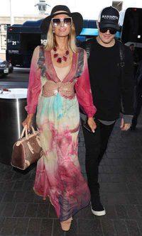 Paris Hilton se cree sirena