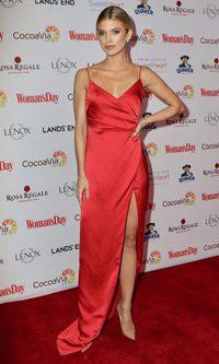 Annalynne McCord con un vestido de infarto