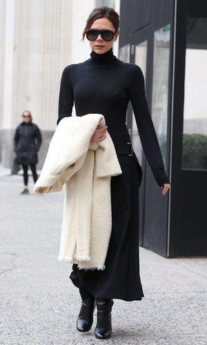 Victoria Beckham con un look rompedor