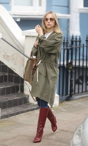 Suki Waterhouse crea el look perfecto