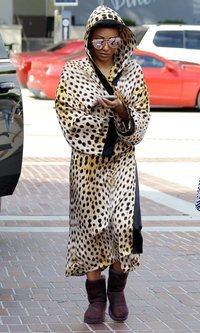 Mel B no pasa desapercibida con su outfit