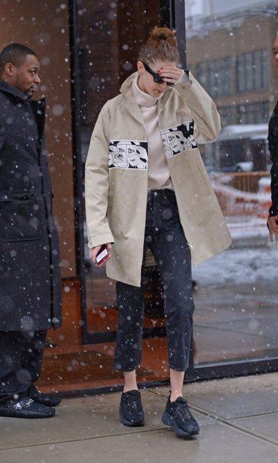 Gigi Hadid hace frente al frío con un estilismo perfecto