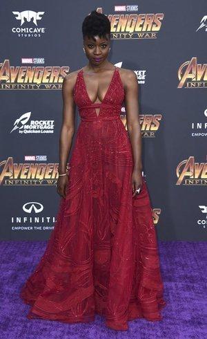 Danai Gurira con un vestido que todas soñamos