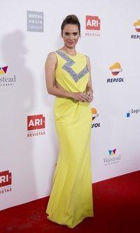 Vanesa Romero se atreve con el color amarillo