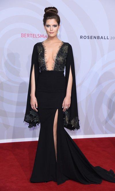 Vanessa Fuchs con un vestido de miedo
