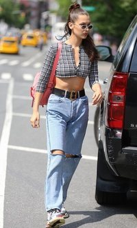 El look casual de Bella Hadid
