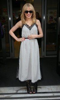 Kylie Minogue y su vestido lencero