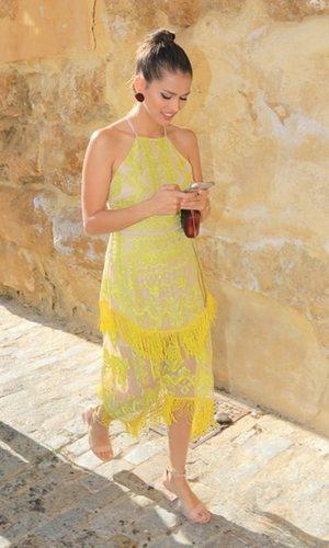 Sara Sálamo sorprende con un original vestido