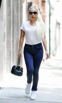 Lady Gaga apuesta por lo sencillo