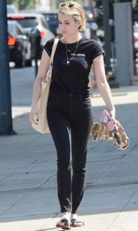 Emma Roberts y su look apagado