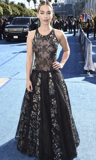 Emilia Clarke, poco llamativa en los Premios Emmy 2018