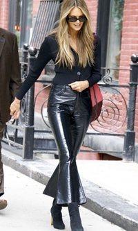 Elle Macpherson y sus pantalones originales