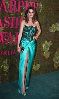 Cindy Crawford de verde esmeralda