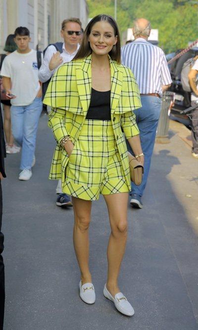 Olivia Palermo con un conjunto amarillo